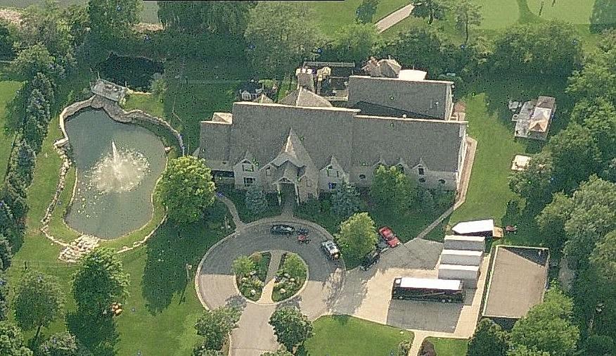 R Kelly S Million Dollar Chicago Mansion Facing Foreclosure